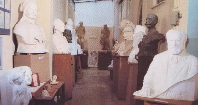 Ένα μουσείο στην Αθήνα ερμητικά κλειστό, Δημήτρης Παυλόπουλος