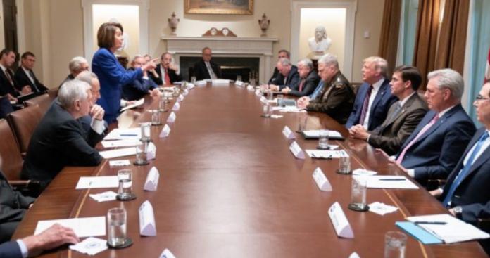 Ουάσινγκτον σε απόγνωση - Εκτός εαυτού η Πελόσι, εκτός πραγματικότητας ο Τραμπ, Μιχάλης Ιγνατίου
