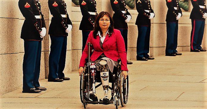 Ανάπηρη πολέμου αντισυνταγματάρχης Γερουσιαστής τα χώνει στον Τραμπ, αλλά..., Βαγγέλης Γεωργίου