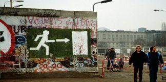 Η πτώση του Τείχους αποχαλίνωσε το νεοφιλελευθερισμό, Γεώργιος Παπασίμος