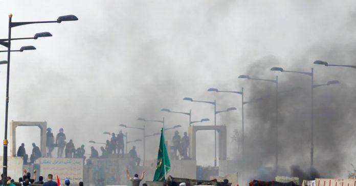Μαίνεται η βία στο Ιράκ, συνεχίζονται οι διαδηλώσεις