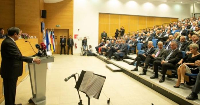 Με σημαδεμένη τράπουλα σήμερα ο Αναστασιάδης στο Βερολίνο, Κώστας Βενιζέλος