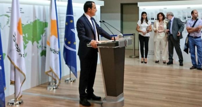 Έρευνα για το Κυπριακό - Σε σύγκρουση τα θέλω των Ελληνοκυπρίων με τη πολιτική της Λευκωσίας, Κώστας Βενιζέλος