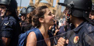 Ο Λίβανος διολισθαίνει στην πολιτική κρίση και στον κατακερματισμό