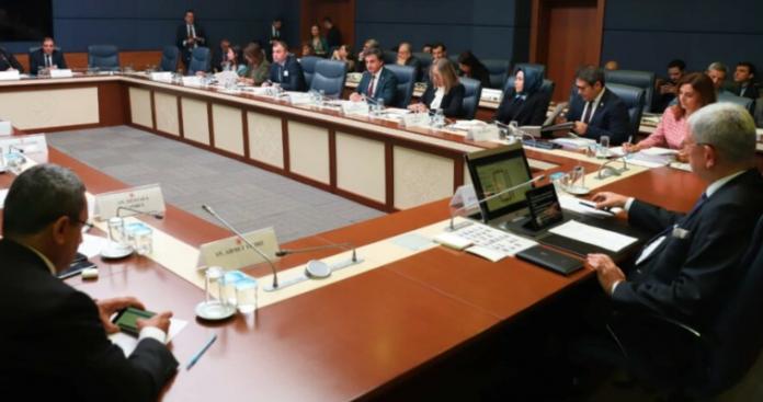 Ο κορονοϊός κλείνει το κοινοβούλιο στην Τουρκία