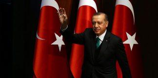 """Ερντογάν: """"Δεν υποχωρούμε από τους S-400"""""""