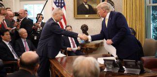 """Ανακωχή στον """"πόλεμο"""" ΗΠΑ-Κίνας - Υπεγράφη η """"Φάση 1"""" της εμπορική συμφωνίας"""