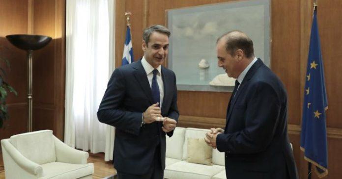Βελόπουλος: Όχι στην Χάγη - Δεν είναι μείζων θέμα ο Πρόεδρος της Δημοκρατίας