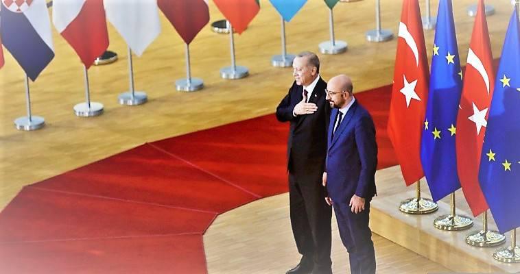 """Η Δύση ζορίζεται να """"συνεννοηθεί"""" με το δημιούργημά της, Κωνσταντίνος Αγγελόπουλος"""