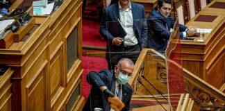 """ΣΥΡΙΖΑ: """"ΝΔ και ΚΙΝΑΛ εξευτέλισαν το Κοινοβούλιο"""""""