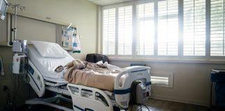 Εισαγγελική έρευνα στη Γαλλία για τη διαχείριση της πανδημίας και τους 29.209 νεκρούς
