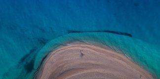Μυστική η παραλία του σποτ - Στην Εύβοια γενικώς