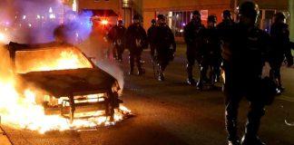 Η Αμερική φλέγεται! – Εξέγερση χωρίς προηγούμενο, Νεφέλη Λυγερού