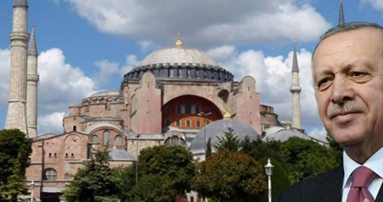 """«Σπάσαμε τις αλυσίδες της Αγίας Σοφίας» – Νέος """"πορθητής"""" ο Ερντογάν! Νεφέλη Λυγερού"""