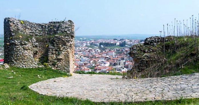 Γιατί ο Ελληνισμός δεν μπορεί να βρει την περπατησιά του σήμερα, Ευαγγελία Κοζυράκη