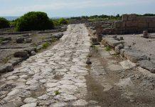 Πώς ταξίδευαν στην αρχαιότητα – Από τις ρωμαϊκές οδούς στους ξενώνες της Μεσοποταμίας, Μάκης Ανδρονόπουλος