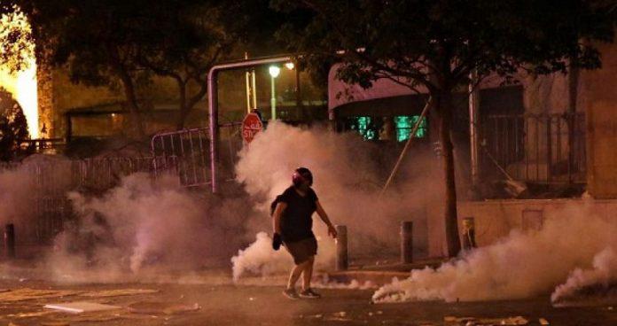 Οργή, σφαίρες και δακρυγόνα στη Βηρυτό – Απτόητο το