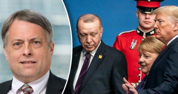 Πρώην σύμβουλος Ρέιγκαν: Επιτέλους, πετάξτε την Τουρκία έξω από το NATO!