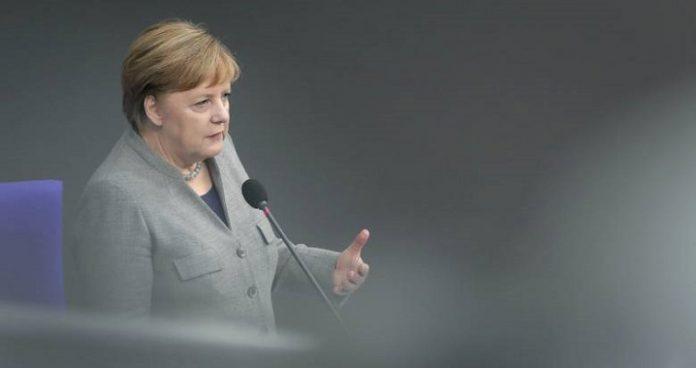 Βία μέσα και έξω από τη γερμανική Βουλή – Η Μέρκελ, η Εναλλακτική και οι απαγορεύσεις, slpress