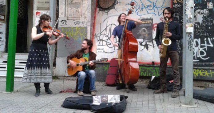 Οι Τούρκοι μουσικοί τραβάνε τον δικό τους γολγοθά...