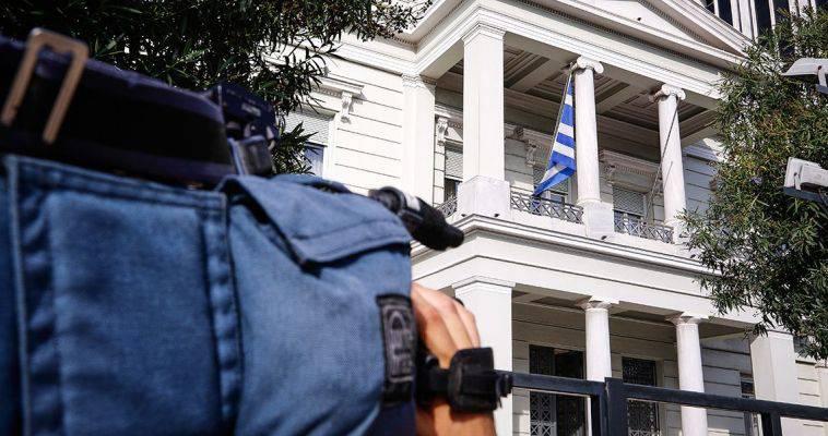 Πως ο εκ των έσω υβριδικός πόλεμος αυτοκαταργεί την Ελλάδα, Κώστας Γρίβας